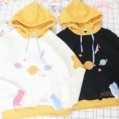 Black/beige planet print hoodie fleece pullover SE10822