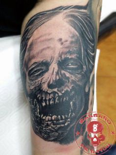 #tattoo #tattooist #tattoolife #tattooartist #tattoofreakz #tattoolifemag #tattooistartmag #tattooed_body_art #tattooistartmagazine #thebesttattooartists #thebestpaintattooartists #blackandgrey #blackandgreytattoo #blackandgreytattoos #inkedmag #inkfreakz #crazytattoos #bloodygirls #tattooalmeria #tattooed  #terrortattoo #thewalkingdead #zombiestattoo #zombies #thewalkingdeadtattoo