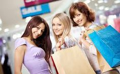 Visit the Kittery Outlets with over 120 stores, sales, events and promotions all year long.