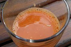 Selbst gemachter Saft, zum Beispiel Apfelsaft, lässt sich einfach und schnell haltbar machen. Hier die wichtigsten Regeln.