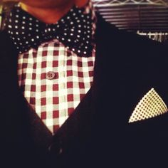 Men's outfit with bow tie: classy!