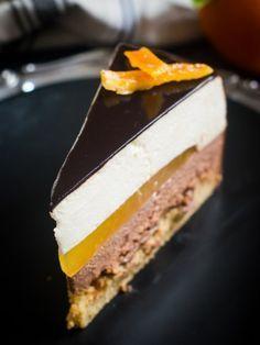 mousse torta od čokolade, naranče i lješnjaka Cake Filling Recipes, Cupcake Recipes, Baking Recipes, Torte Recepti, Kolaci I Torte, Orange Recipes, Sweet Recipes, Croation Recipes, Mousse Mascarpone