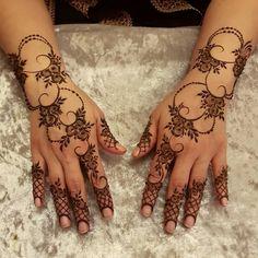 Full Hand Bridal Mehndi Designs Indian Wedding New Design are Best mehndi designs in these Henna mehndi designs will make your hands generally simple Henna Hand Designs, Latest Simple Mehndi Designs, Mehndi Designs Finger, Floral Henna Designs, Indian Mehndi Designs, Arabic Henna Designs, Mehndi Designs Book, Mehndi Designs 2018, Mehndi Designs For Girls