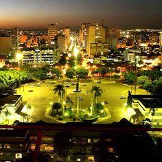 Goiânia, terra natal do escritor Sérgio Kitiniz