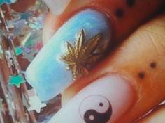 Marijuana nail art