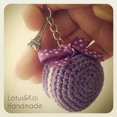 #amigurumi #macarons Crochet Fruit, Love Crochet, Diy Crochet, Crochet Hooks, Amigurumi For Beginners, Crochet Keychain, Amigurumi Doll, Loom Knitting, Crochet Patterns