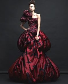 I was obsessed with this houndstooth to magpie print! #McQueen