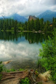 The tiny town of Strpske Pleso located in the High Tatras mountains Carpathian Forest, High Tatras, Bratislava, Nature Images, Vacation Spots, Travel Inspiration, Cool Pictures, Travel Photography, Beautiful Places