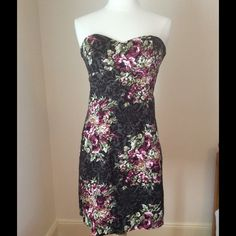 ModCloth Filigree & Floral Sheath dress, sz. xs-s Beautiful strapless dress. Runs small though... There is no tag on here for some reason but I checked my order history and I bought a Medium. I typically wears or small in dresses.  Great condition! ModCloth Dresses