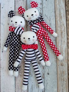 Gee's Projects: Summer time and 'Fergus the Mouse' soft toy Fabric Toys, Fabric Crafts, Sewing Crafts, Sewing Projects, Craft Projects, Sewing Stuffed Animals, Stuffed Toys Patterns, Pdf Sewing Patterns, Doll Patterns