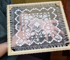 Randa handmade lace how it is made como se hace – Artofit Blackwork Embroidery, Embroidery Art, Embroidery Stitches, Needle Lace, Bobbin Lace, Irish Crochet, Filet Crochet, Lace Beadwork, Diy Lace Doily Bowl