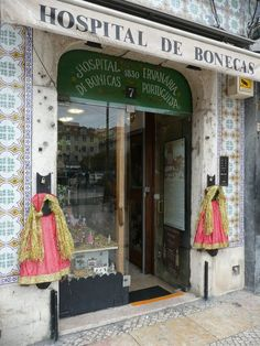 The Hospital de Bonecas in downtown Lisbon has been fixing dolls since the early century. At a time of unemployment and rising poverty, repairing an old doll offers a frugal alternative to new toys for Christmas. Visit Portugal, Portugal Travel, Portugal Tourism, Portugal Country, Old Dolls, Shop Interior Design, Christmas Toys, Summer Kids, Toy Store