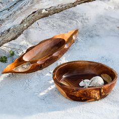Richly grained wooden bowls are perfect for creating nature-inspired displays. These bowls are handcarved by Indonesian artisans, who use prized teak wood in… Clay Cats, Wood Display, Wooden Bowls, Air Dry Clay, Teak Wood, Hand Carved, Artisan, Neutral, Gifts
