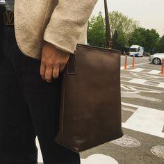 """좋아요 63개, 댓글 3개 - Instagram의 SONG'S LAW(@songslaw.kr)님: """"SONG'S LAW Leather. 2017 Quaver Bag. Handmade high end Leather Bag. #songslaw #leather #quaver…"""""""
