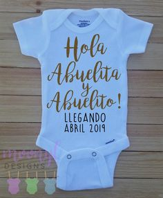 Hola Abuelita y Abuelito, Pregnancy Announcement Onesie®, Grandparent Baby Reveal, Family Baby Reveal, Spanish Pregnancy Announcement Creative Baby Announcements, Baby Announcement To Parents, Fantastic Baby, Baby Arrival, Pregnant Mom, Baby Socks, Trendy Baby, Baby Sleep, Baby Pictures