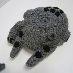Crochet amigurumi star wars tie fighter New Ideas Crochet For Kids, Crochet Baby, Free Crochet, Irish Crochet, Crochet Geek, Crocheted Toys, Knit Crochet, Star Wars Crochet, Crochet Stars