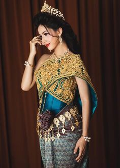 Cambodian Wedding Khmer Costumes Outfits Traditional Weddings Dresses Thai Dress Pretty Woman Asian Beauty