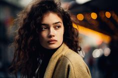 Sasha Kichigina by David Urbanke / Uu she is wild, cute, attractive. Her hair is so pretty and her eyes are very sensual! This photo is awesome! Sasha Kichigina, Character Inspiration, Hair Inspiration, Pretty People, Beautiful People, Pretty Face, Portrait Photography, Curly Hair Styles, Photos