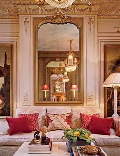 Unbelievable Traditional Living Room by Timothy Corrigan Inc. in Paris, France The post Traditional Living Room by Timothy Corrigan Inc. in Paris, France… appeared first on Home Decor Designs . French Interior, Classic Interior, French Decor, Luxury Interior, Architectural Digest, Beautiful Interior Design, Beautiful Interiors, Top Interior Designers, Interiores Design