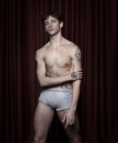 Image from http://i.telegraph.co.uk/multimedia/archive/02461/sergei-polunin-tat_2461316a.jpg.