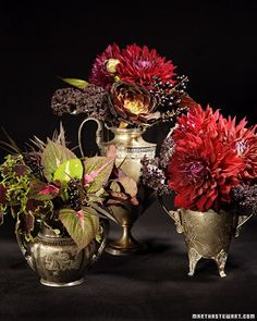 These stunning centerpieces add instant sophistication to a Halloween table.
