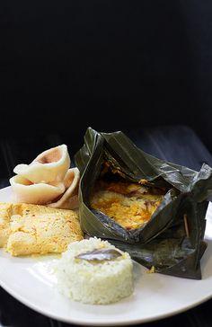 """Pepes Tilapia n Tahu """"Steamed tilapia n tofu"""" Steamed Tilapia, Cooking Tofu, Eat Pray Love, Indonesian Food, Fritters, Crackers, Good Food, Snacks, Cookies"""