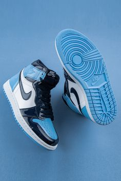 """Would the Air Jordan 1 collection be as strong as it is if it weren't for women's colorways? Looks like the """"UNC Patent Leather"""" have added an element of diversity to Michael Jordan's signature collection that attracts collectors of any gender. Converse Sneaker, Puma Sneaker, Sneaker Outfits, Shoes Sneakers, Sneakers Fashion, Sneaker Trend, Kd Shoes, Jordan Sneakers, Running Shoes"""