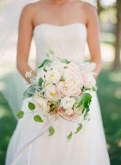 Delicate white bouquet