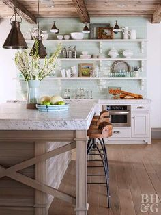 Green Backsplash Ideas: Boring backsplash got you down? Take a cue from nature's hues, and update your kitchen with one of our creative yet functional ideas for a gorgeous green backsplash. New Kitchen, Kitchen Dining, Kitchen Decor, Cozy Kitchen, Kitchen Ideas, Kitchen Designs, Kitchen White, Nordic Kitchen, Kitchen Storage