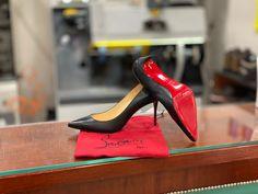 Louboutin Pumps, Christian Louboutin, Red Sole, Stiletto Heels, Shoes, Fashion, Paragraph, Moda, Zapatos