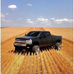 We Offer Fitment Guarantee on Our Rims For Chevrolet Silverado. All Chevrolet Silverado Rims For Sale Ship Free with Fast & Easy Returns, Shop Now. Lifted Chevy Trucks, Gm Trucks, Chevy Pickups, Jeep Truck, Diesel Trucks, Cool Trucks, Pickup Trucks, Chevrolet Silverado, Chevrolet Trucks