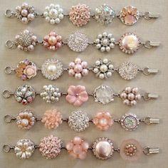 Set of 6 bridesmaid bracelets in soft blush