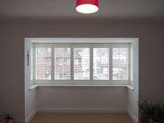 Gallery pictures showing how window shutters are fixed around square or box bay windows on different houses. Bay Window Bedroom, Bay Window Shutters, Bay Window Decor, Bay Window Curtains, Bedroom Windows, House Windows, Curtains With Blinds, Bay Windows, Bay Window Treatments