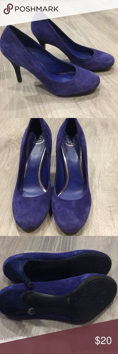 Jessica Simpson suede shoes with glitter heels JS by Jessica. Blue / purple suede shoes with a glitter / sparkly heel. In great condition, looks never worn or only worn once. No scuff marks. Each shoe still have the size sticker on bottom. Great shoe for a evening out! Size 10B/40. Jessica Simpson Shoes Heels