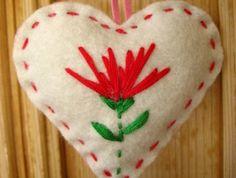 ♥+♥Pohutukawa+Heart+Christmas+decoration+♥+♥