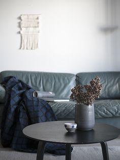 Marimekko / Puetaan koti osa I Furniture, Living Room, Ottoman, Home, Interior, Throw Pillows, Marimekko, Home Decor, Room