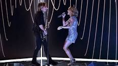 Carrie Underwood, Keith Urban Sing 'The Fighter' at 2017 Grammys – Variety