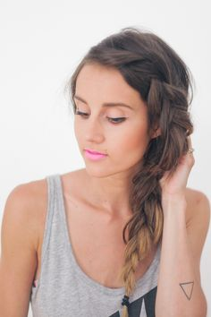 When you're hanging inside on a snow day, this messy French braid hairstyle is t. - - When you're hanging inside on a snow day, this messy French braid hairstyle is t. French Braid Hairstyles, No Heat Hairstyles, African Hairstyles, 2014 Hairstyles, Spring Hairstyles, Funky Hairstyles, Formal Hairstyles, Hairdos, Messy French Braids