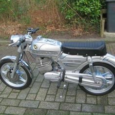 ZUNDAPP Vintage Motorcycles, Cars And Motorcycles, 50cc Moped, Mini Bike, Classic Bikes, Bike Trails, Bike Design, Scooters, Motorbikes