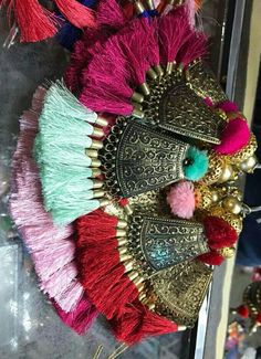 Cool pic Diy Tassel, Tassel Jewelry, Fabric Jewelry, Zardozi Embroidery, Hand Embroidery, Embroidery Designs, Diy Earrings, Tassel Earrings, Saree Tassels
