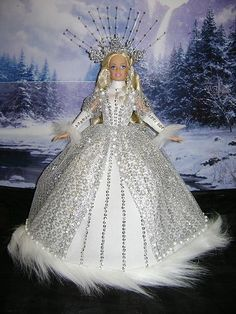 Barbie 'Queen of Winterland' by Julia Mears backintimebarbies / Barbie Clothes, Barbie Dolls, Barbie Princess, Disney Princess, Barbie Doll Accessories, Unique Costumes, Glamour Dolls, Green Theme, Doll Costume