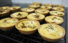 Quiches di cipolla e formaggio - La ricetta di Buonissimo