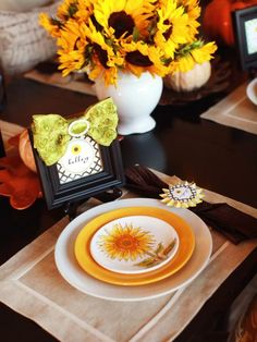 55 Stylish Thanksgiving Tableware Ideas To Create A Cozy Atmosphere | DigsDigs