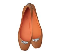 "Liberty Hermes ladies' ballerina flat in calfskin with palladium plated 2 ""Clous Pyramides"" hardware, pyramidal rubber stud sole, leather lining"