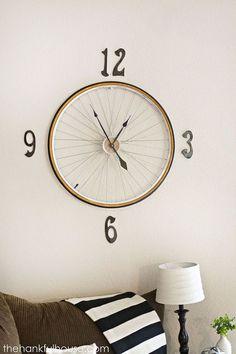 Vintage Bicycle Wheel Clock.Classic Parts Art&Design @classic_car_art #ClassicCarArtDesign