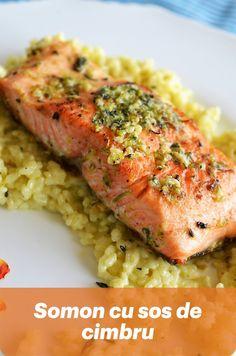 Somonul este pestele preferat al lui Luca si singurul peste pe care l-ar manca la orice ora din zi si din noapte si pe care stie sa si-l pregateasca singur. Sigur, sub stricta mea supraveghere de mamica mult prea grijulie, insa stie 🙂 Fish Recipes, My Recipes, Tasty, Yummy Food, Fish And Seafood, Meatloaf, Risotto, Food And Drink, Gluten Free
