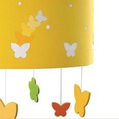 Lámpara colgante infantil mariposas amarillas.