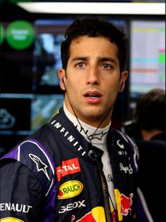 Ricciardo F1, Daniel Ricciardo, Red Bull Racing, David Gandy, Wallpaper Ideas, Formula One, Gorgeous Men, Cool Photos, Aesthetics