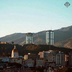 Te presentamos la selección: <<FOTO DEL DÍA>> en Caracas Entre Calles. ============================ F E L I C I D A D E S >> @maovilla88 << Visita su galería ============================ SELECCIÓN @floriannabd TAG #CCS_EntreCalles ================ Team: @ginamoca @luisrhostos @mahenriquezm @teresitacc @floriannabd ================ #Caracas #Venezuela #Increibleccs #Instavenezuela #Gf_Venezuela #GaleriaVzla #Hallazgosemanal #Ig_GranCaracas #Ig_Venezuela #IgersMiranda #Great_Captures_Vzla…