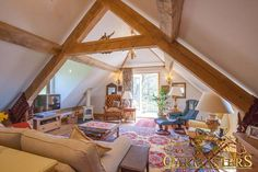 Exposed oak trusses Inside this Kentish home, exposed oak trusses create a world of character. #Oakmasters